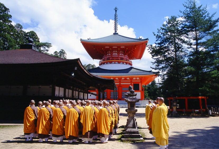 高野山への電車でのアクセス・行き方「大阪・東京・名古屋・高野山 南海バス」