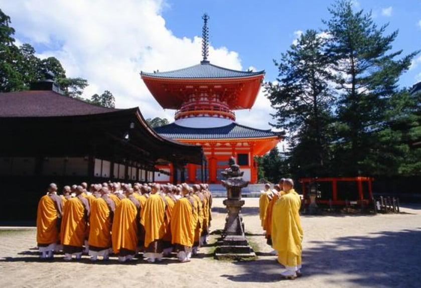 ちなみに・・高野山の金剛峯寺で働くことってできる?また、中途社員で働ける?